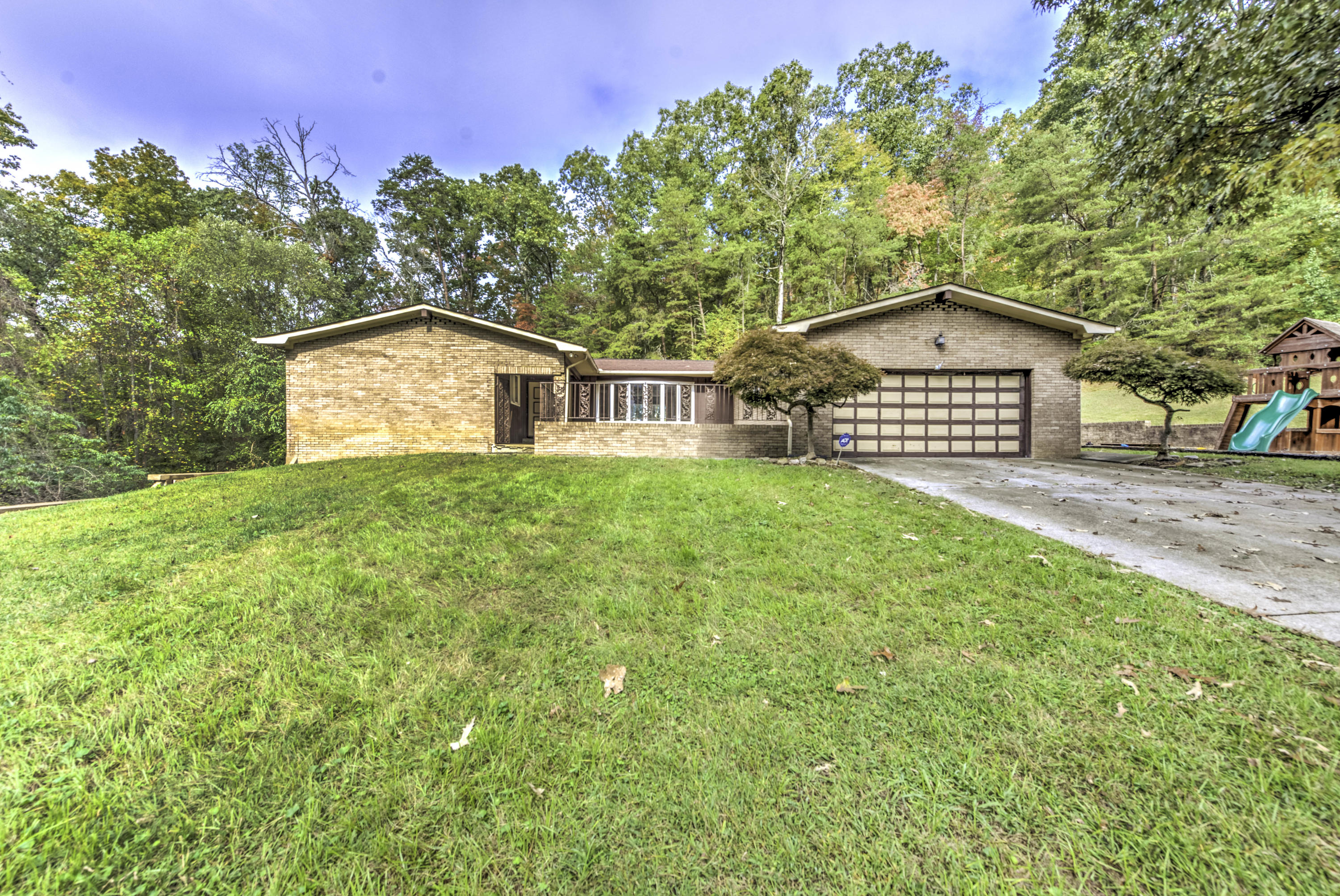 20191023213322219531000000-o Listings anderson county homes for sale