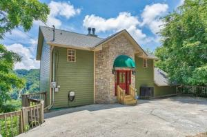 Property for sale at 1345 Ski View Drive, Gatlinburg,  Tennessee 37738