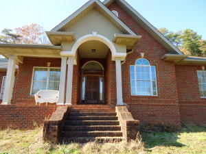 126 County Road 581, Athens, TN 37303