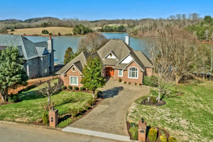 01_PineberryDrive_265_Front
