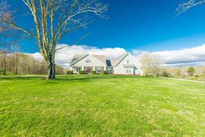 124 Farmers Grove Lane, Clinton, TN 37716