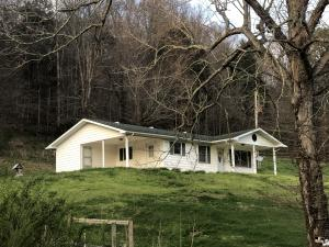 8964 Middle Wallens Creek Rd, Jonesville, VA 24263
