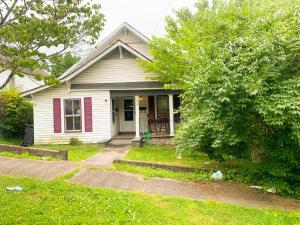 1433 Cornelia St, Knoxville, TN 37917