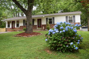 1049 Roswell Rd, Knoxville, TN 37923