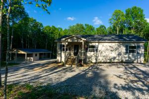 1025 Spruce Creek Drive, Jamestown, TN 38556