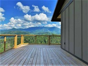 833 Village Loop Rd, Gatlinburg, TN 37738