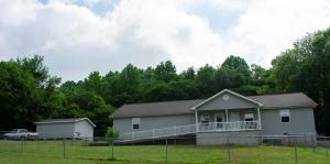 633 Russell Ave, Harriman, TN 37748