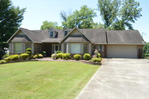 180 Lakewood Estate Lane, Harriman, TN 37748