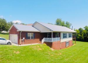 426 Little Cove Drive, Dandridge, TN 37725