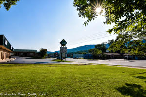 N Gateway Ave, Rockwood, TN 37854