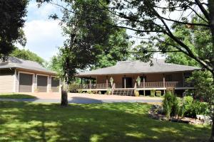 1106 Turner Lake Tr, Crossville, TN 38571