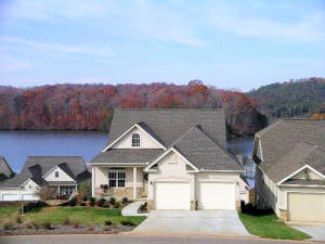 1029 Rarity Bay Pkwy, Vonore, TN 37885