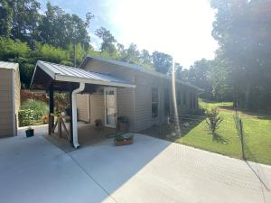 1712 Goff Rd, Knoxville, TN 37920