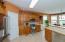 Kitchen w/ LARGE pantry