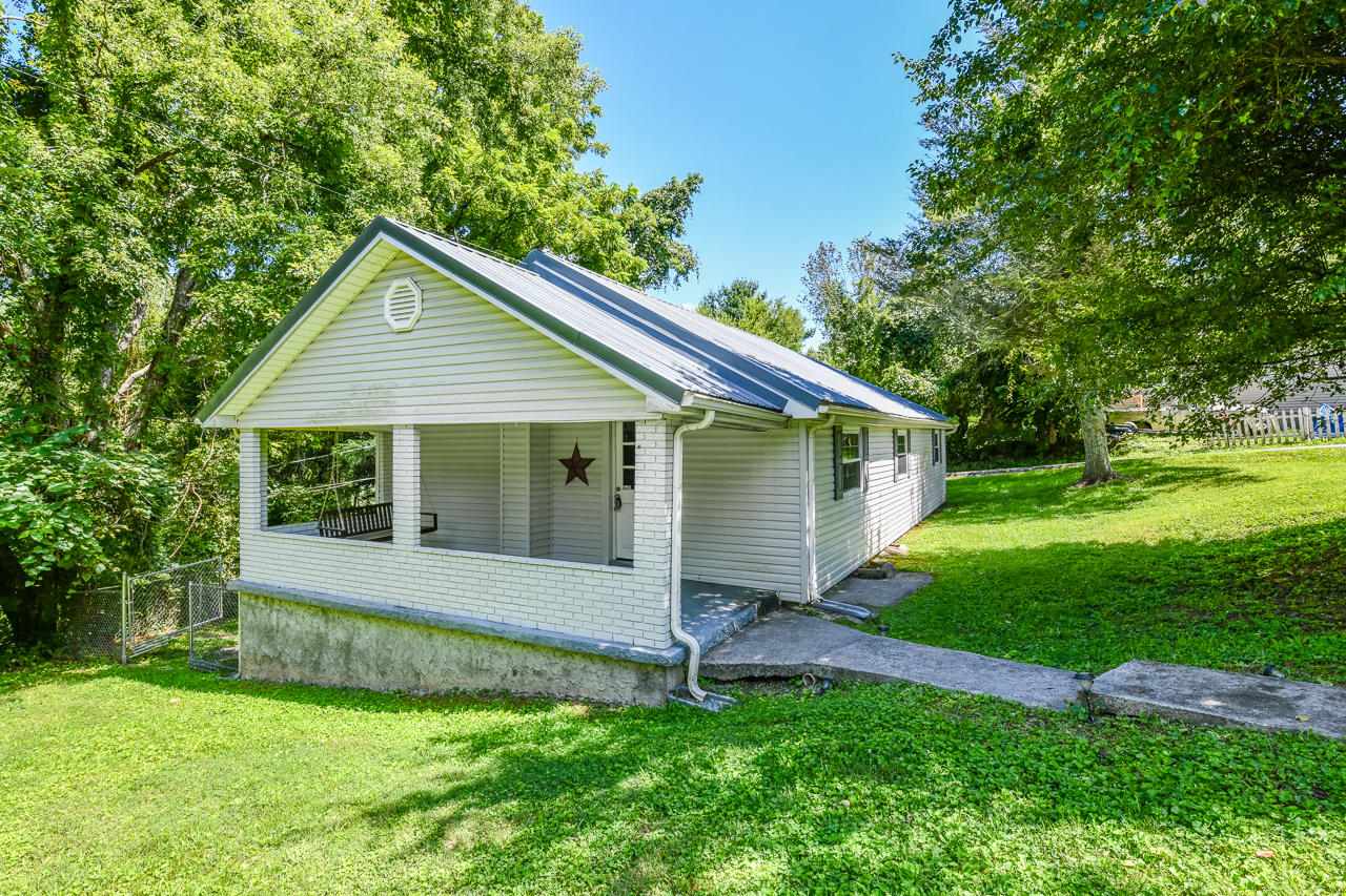 Property for sale at 1113 Pinecrest Rd, Jacksboro,  Tennessee 37757