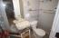 Full Bath in 3rd bedroom