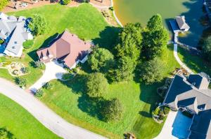 200 Marsh Hawk Drive, Vonore, TN 37885