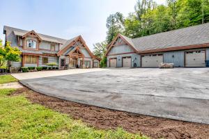 700 Fox Ridge Lane, Caryville, TN 37714