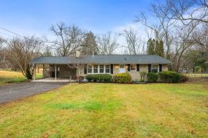 806 NW Wesley Rd, Knoxville, TN 37909