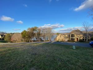 150 Rock Point Drive, Vonore, TN 37885