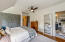 Guest room/adjoins bath