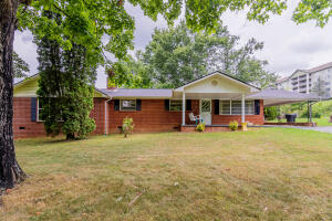 3604 Singing Pines Rd, Pigeon Forge, TN 37863