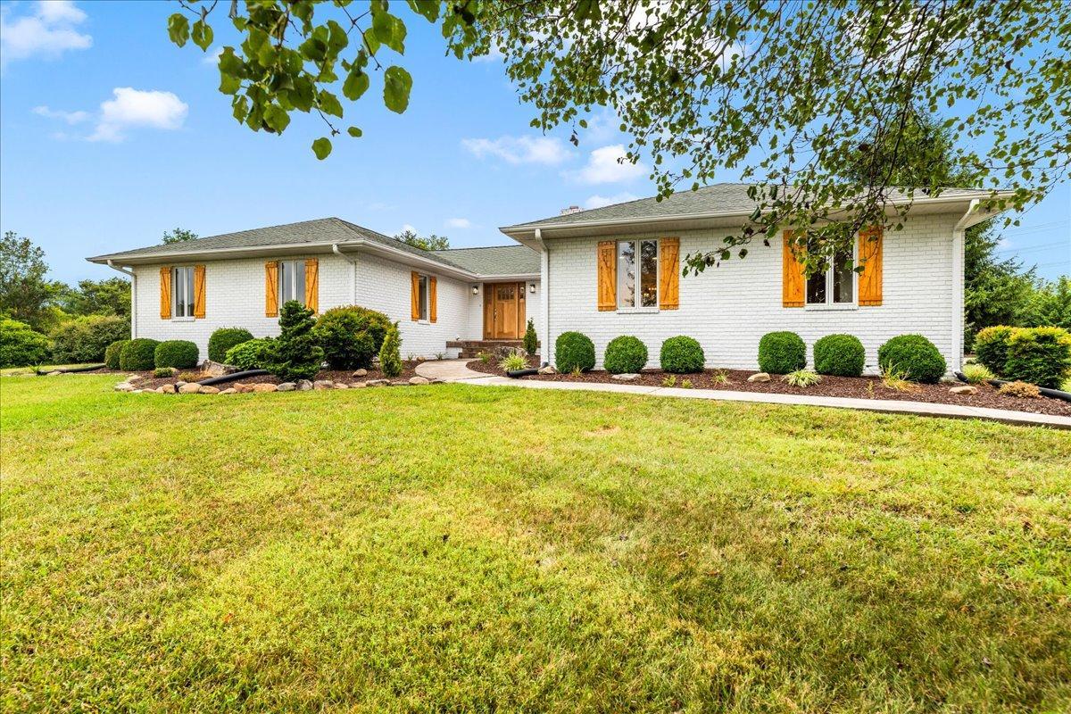 636 Mannela Drive, Strawberry Plains, TN 37871