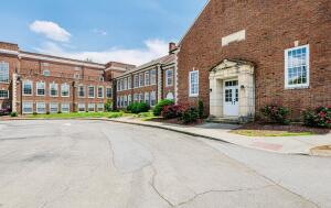 140 E Glenwood Ave, 109, Knoxville, TN 37917