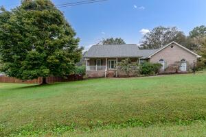 1303 Walker School Rd, Maryville, TN 37803