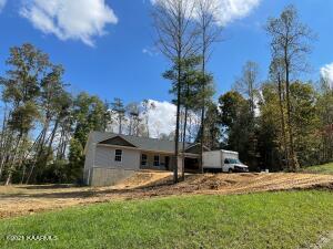 384 Ferry Bend Tr, Crossville, TN 38571