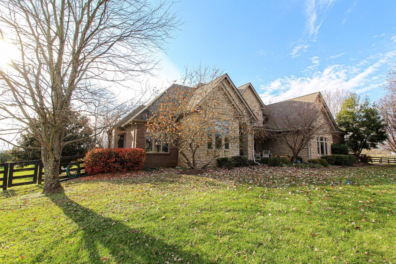 1014 Oak Hill Circle, Versailles, KY 40383