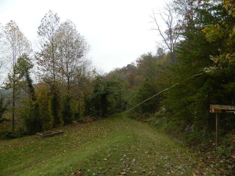 957 Abbott Mountain Road, Prestonsburg, KY 41653