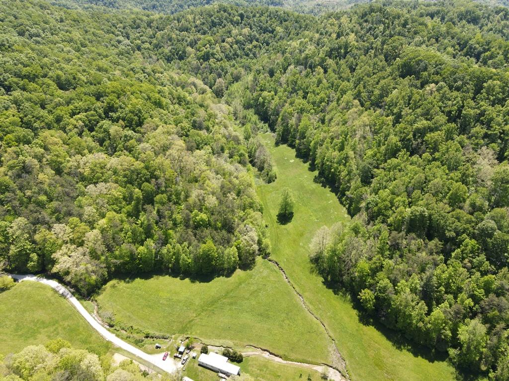 0002 Pence Branch Road, Campton, KY 41301