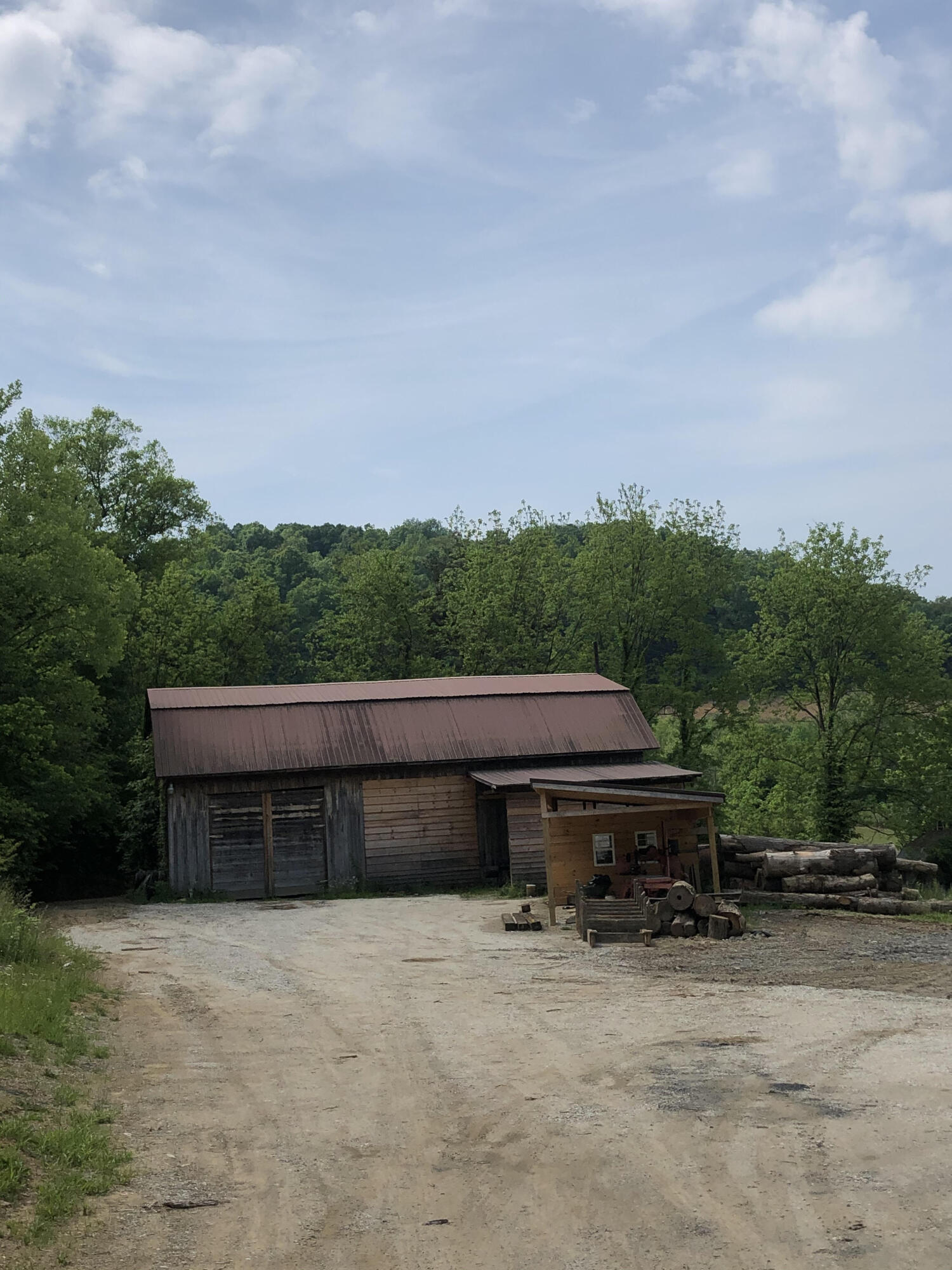 2034 Southfork Road, Beattyville, KY 41311