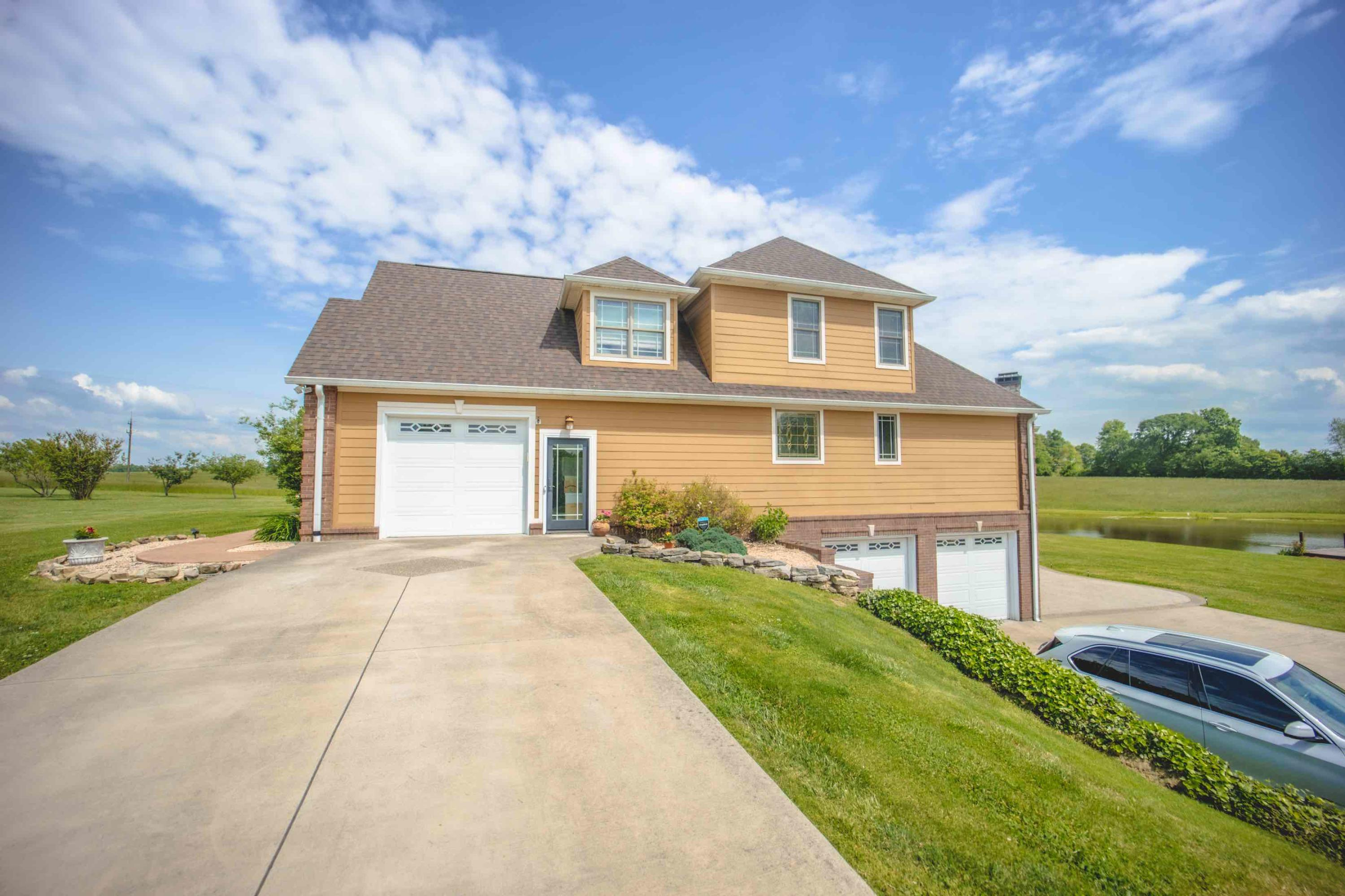 456 Windswept Lane, Russell Springs, KY 42642