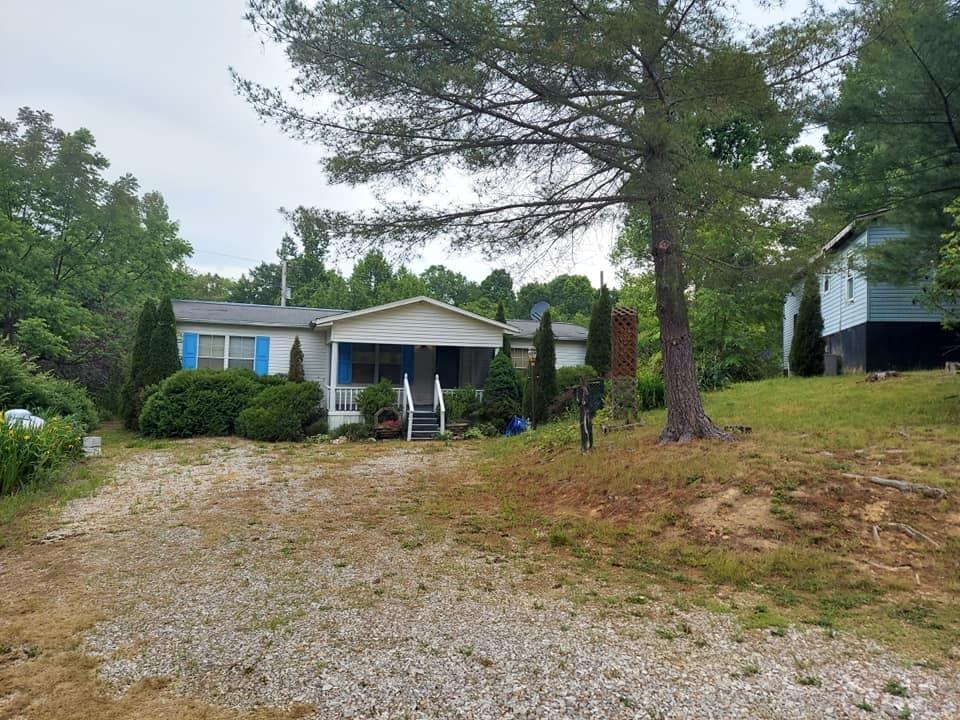 604 Bear Track Rd Road, Beattyville, KY 41311