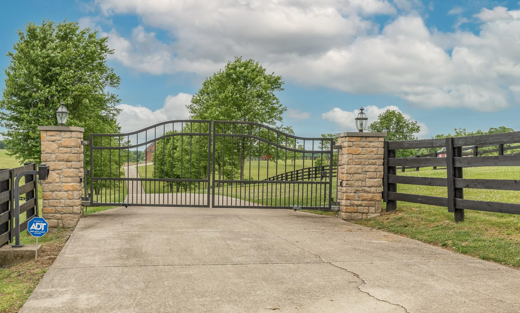 2955 McClure Road, Winchester, KY 40391