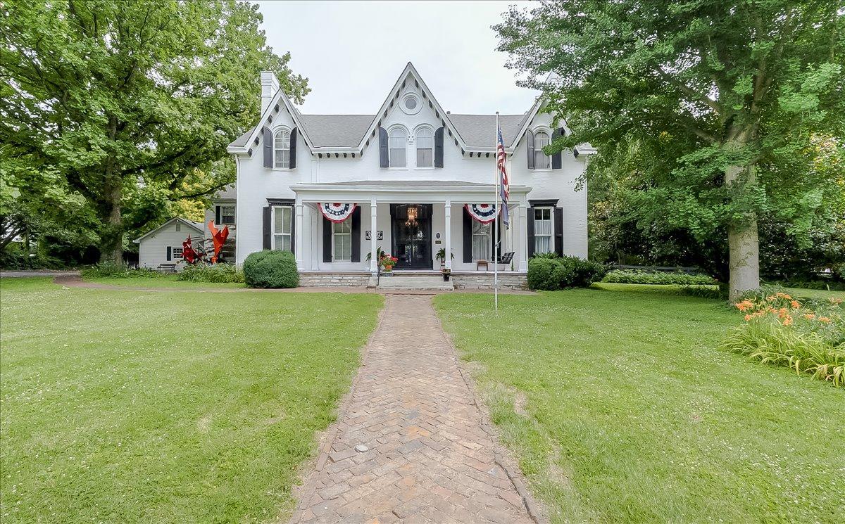 233 Rose Hill, Versailles, KY 40383