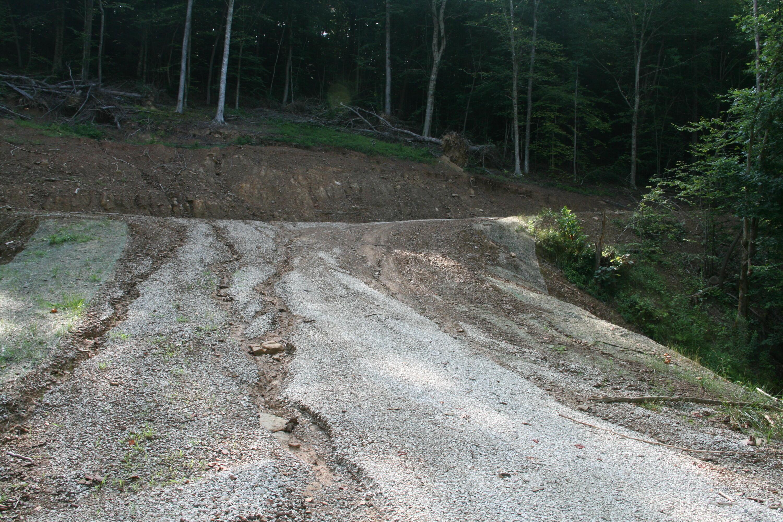 266 Deer Run Lane, Campton, KY 41301