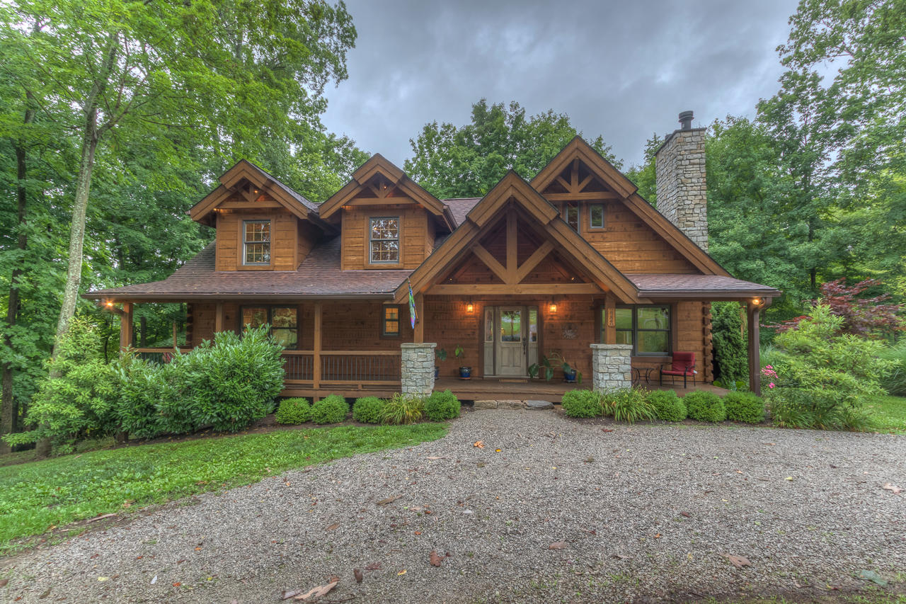 2220 Bardstown Trail, Waddy, KY 40076