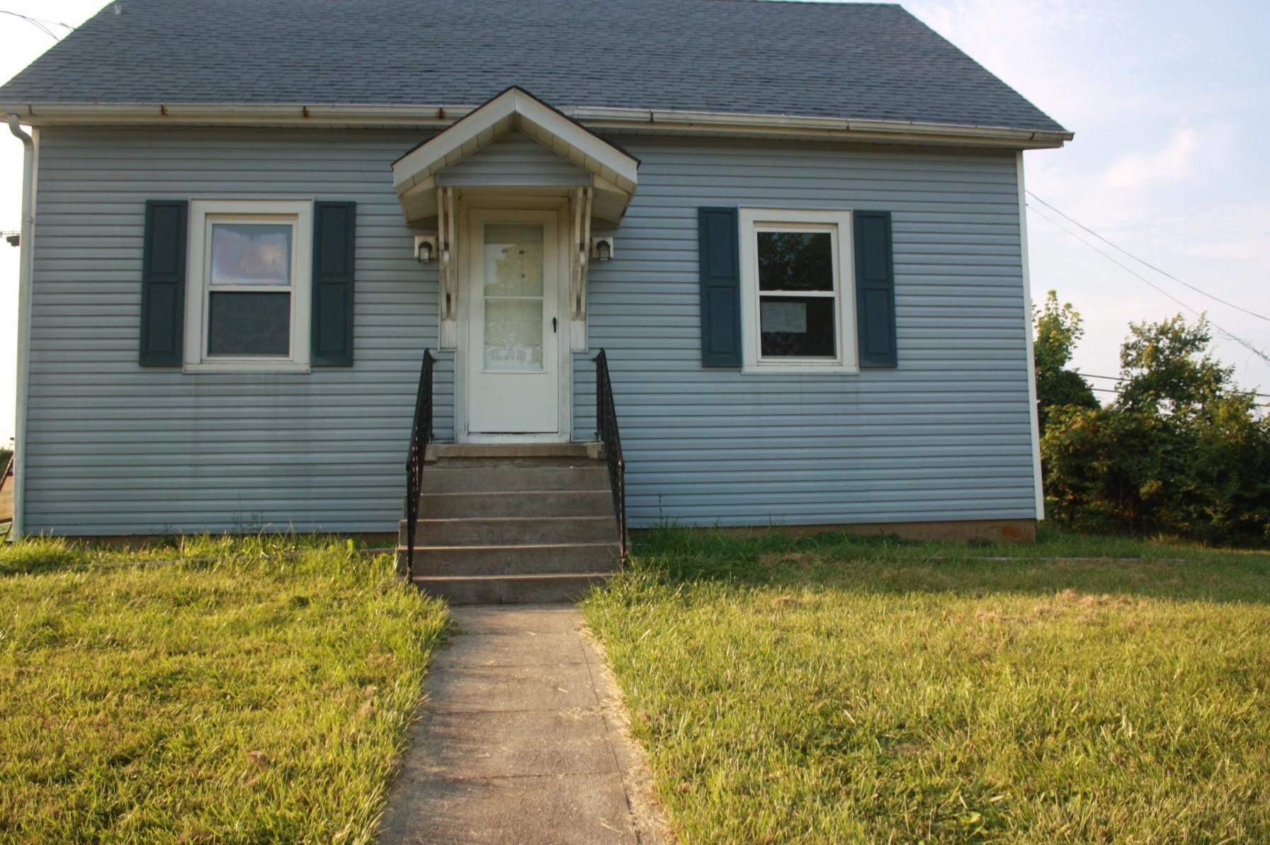 2662 W 22 Highway, Falmouth, KY 41040