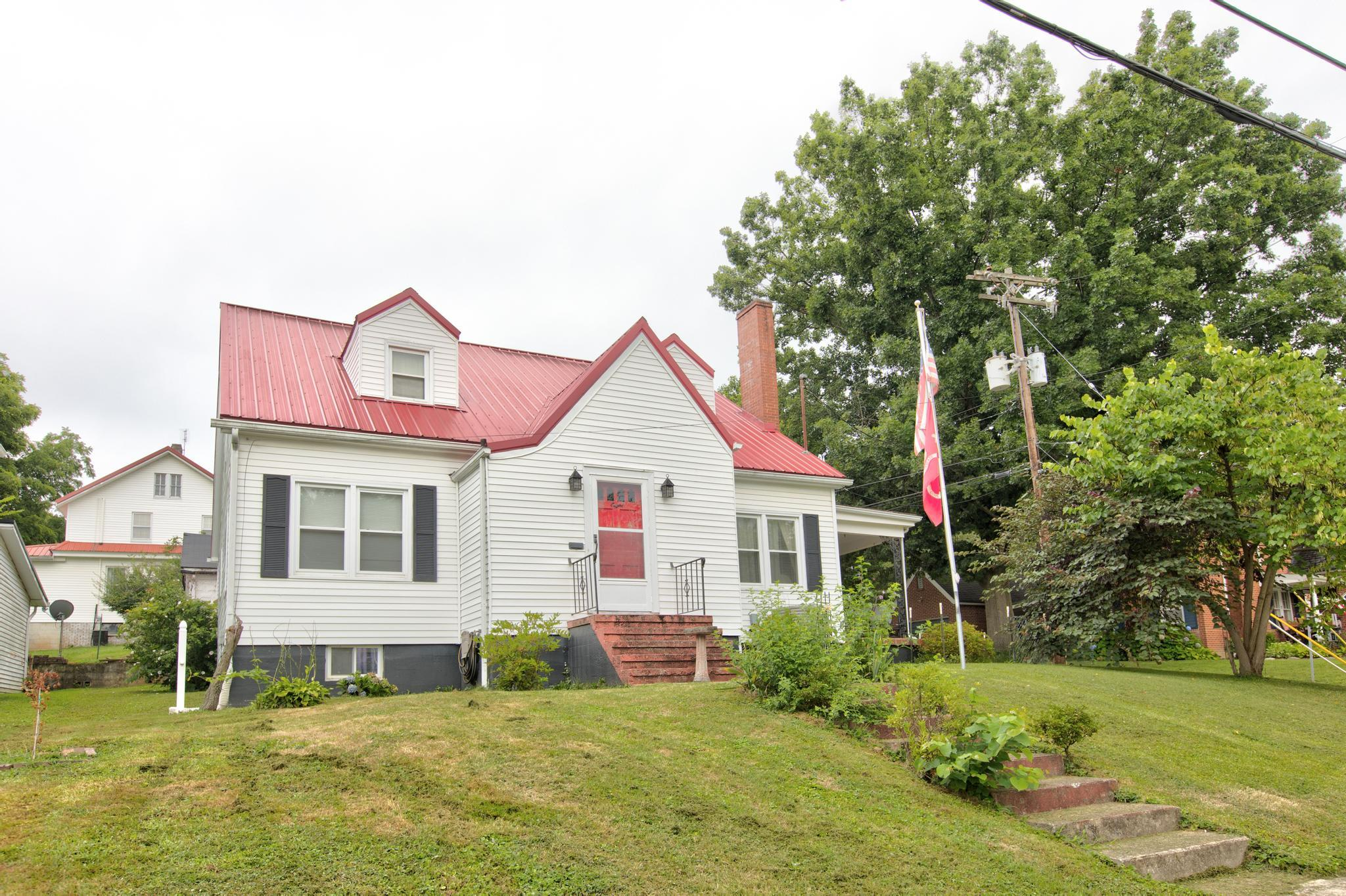 8 White Avenue, Mt Sterling, KY 40353