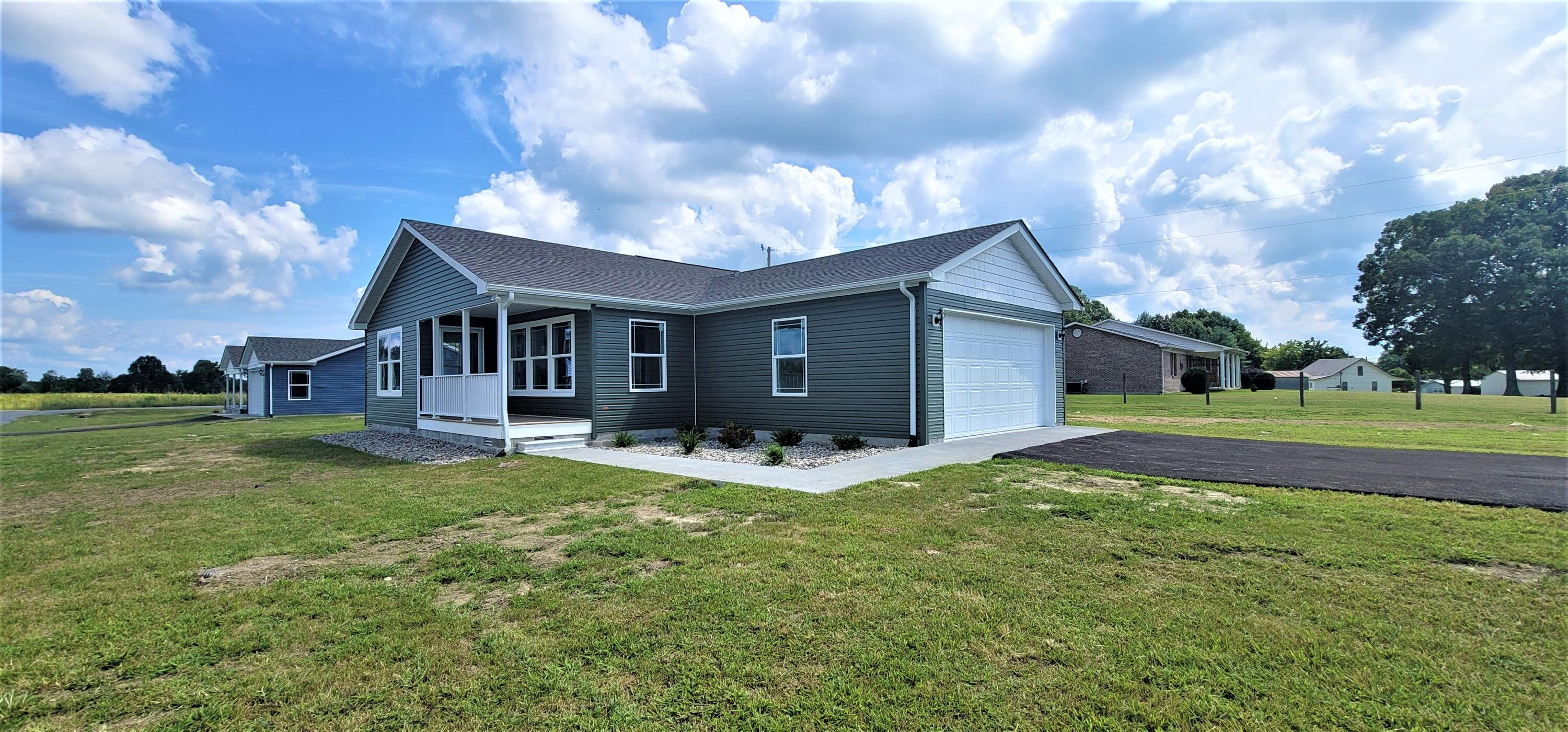 20 Village Drive, Russell Springs, KY 42642