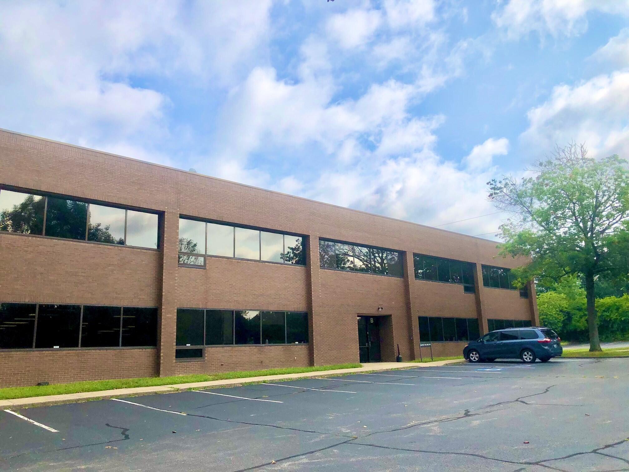 800 Corporate, Lexington, KY 40503