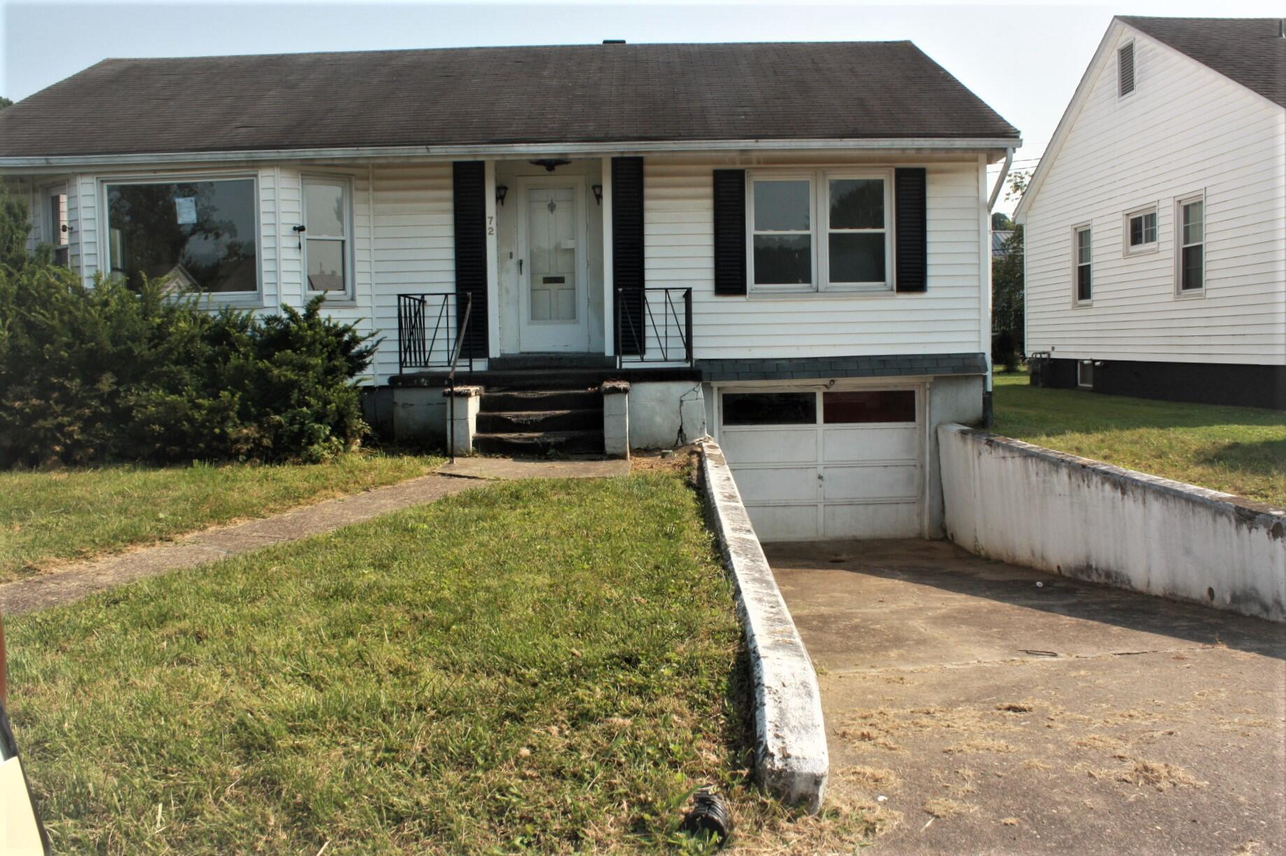 72 Ernst Avenue, Maysville, Kentucky 41056, 2 Bedrooms Bedrooms, ,1 BathroomBathrooms,Residential,For Sale,Ernst,20120284