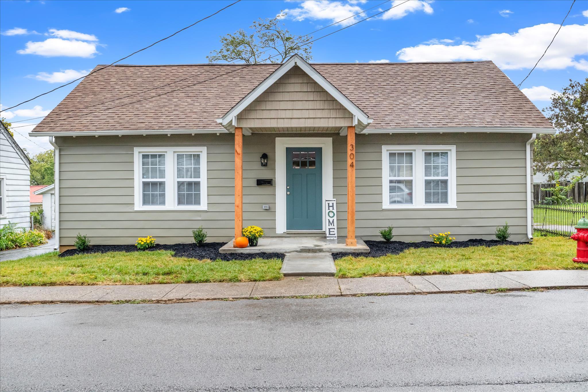 304 3rd Street, Nicholasville, Kentucky 40356, 3 Bedrooms Bedrooms, ,1 BathroomBathrooms,Residential,For Sale,3rd,20120288