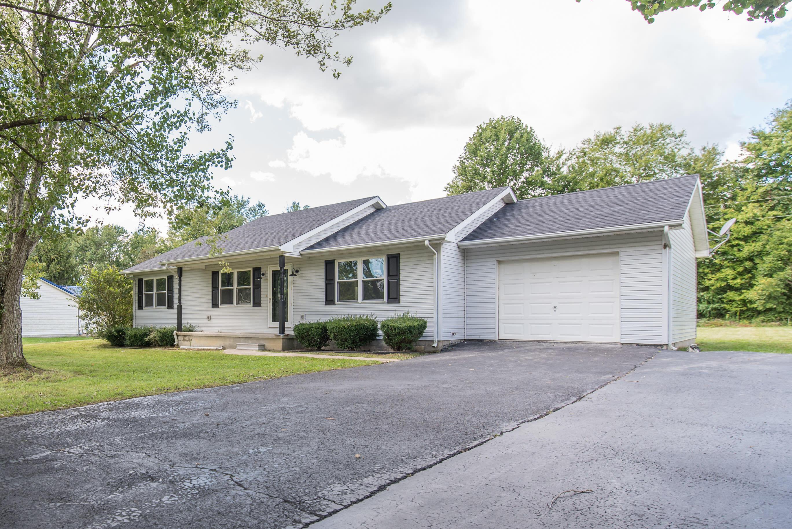 116 Blake Drive, Jeffersonville, Kentucky 40337, 3 Bedrooms Bedrooms, ,2 BathroomsBathrooms,Residential,For Sale,Blake,20120815