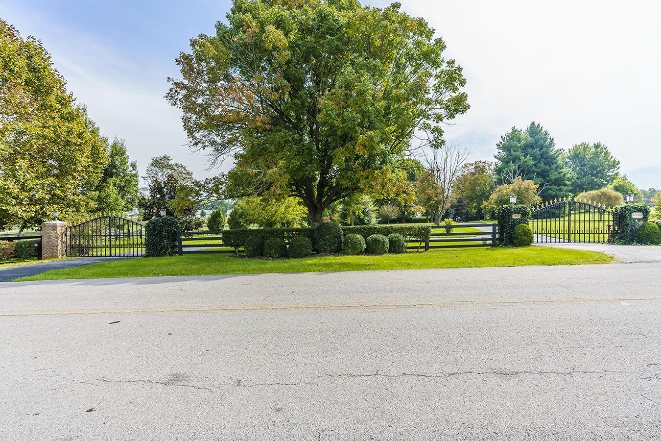 245 Almahurst Lane, Nicholasville, KY 40356
