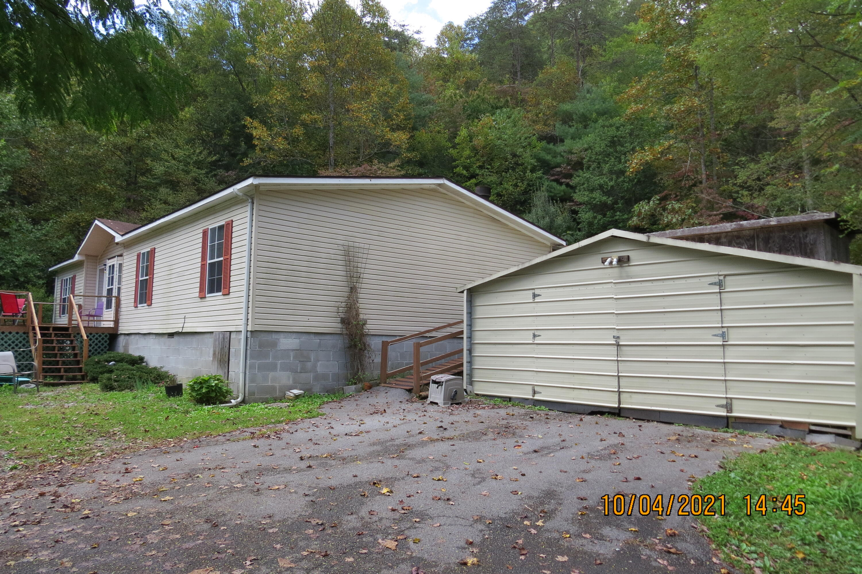 9250 HWY 987, Smith, KY 40831