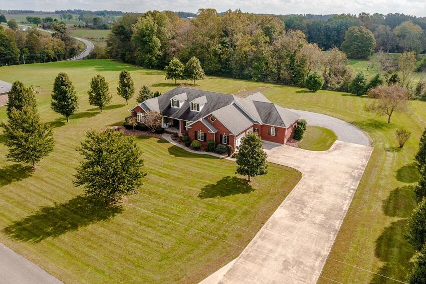 79 Butcher Estates Road, Russell Springs, KY 42642